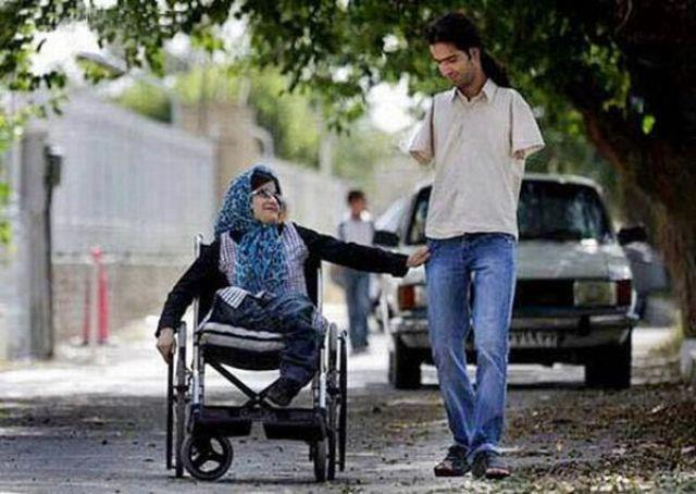 Salute to handicapped couple